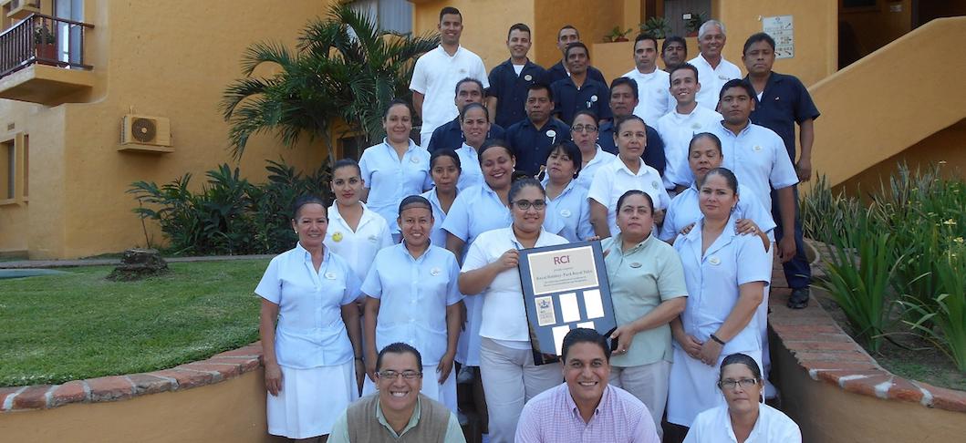 El Hotel Park Royal Los Tules Puerto Vallarta Recibi 243 El Premio Rci Gold Crown Trayectos